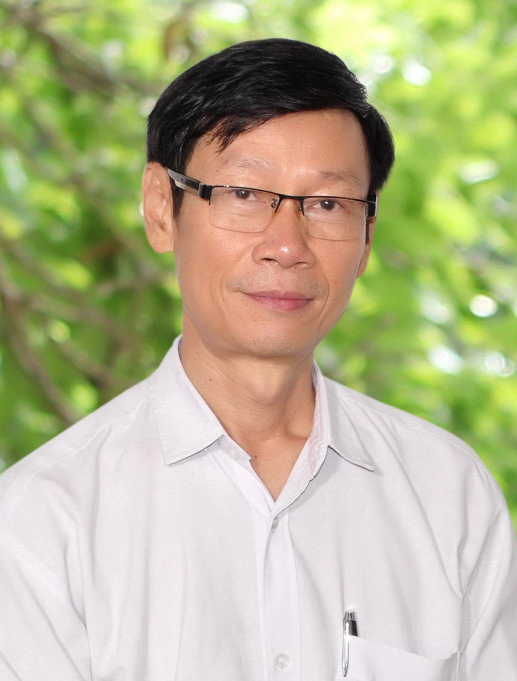 Lương Y Dương Phú Cường.